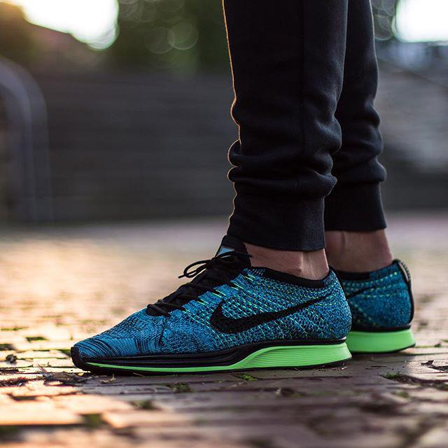 5c60b4078692 ... sneaker shouts™ on twitter on foot look at the nike flyknit racer ...