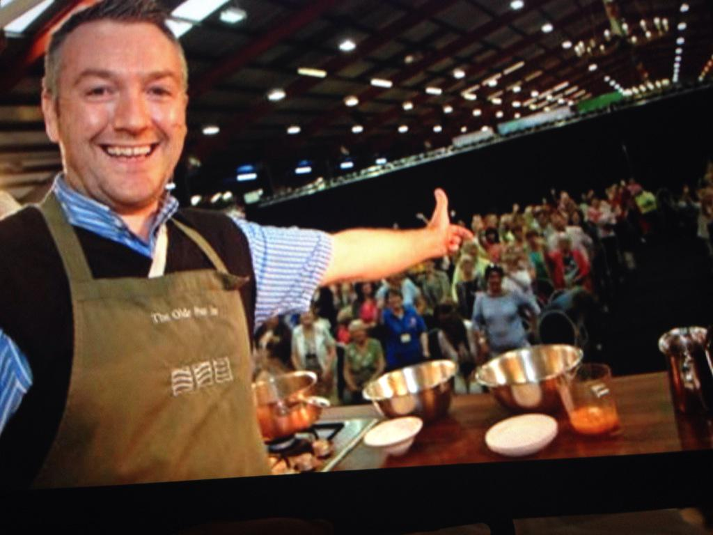 In IRISH LIFE today I have a fab dinner and meet food producers @tasteofcavan @GearoidLynch http://t.co/U1vuzsOrwz