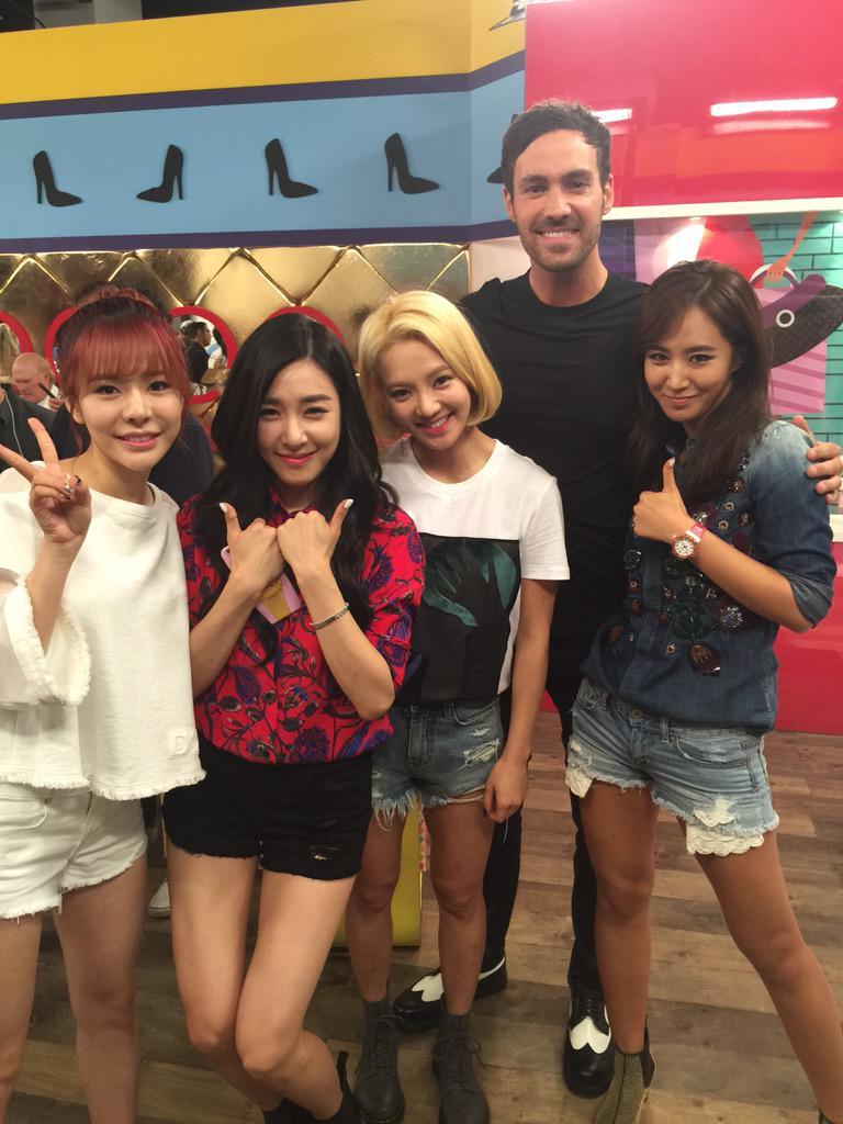 Love me some K-pop. #girlsgeneration http://t.co/ybRGjjVJkL