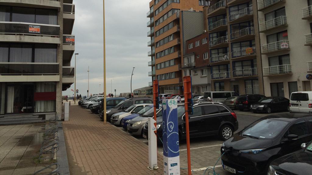 Letzter Ladestopp auf dem Festland in De Panne, Belgien #ZOEGERUK http://t.co/HhTvoSgejR