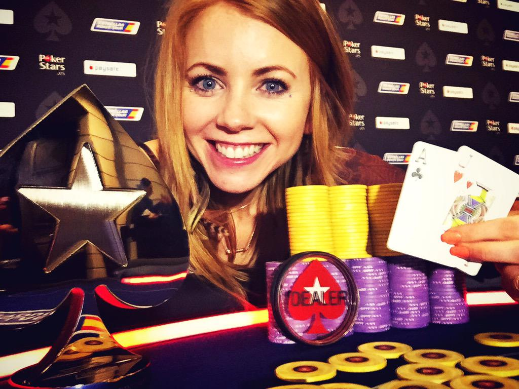 Winner selfie tradition continues -- this time with MYSELF!!! Just won the #EPTBarcelona Ladies Event!! #lifesgood http://t.co/lVpQE7WRao