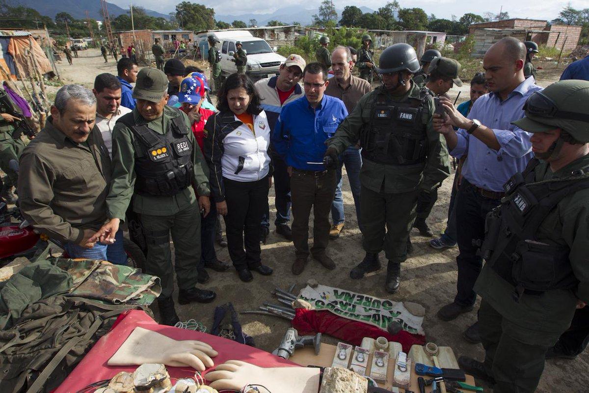 problema migratorio en Venezuela - Página 17 CNI0TjMUwAAsTn6