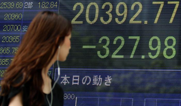 Le Borse di Tokyo e Shanghai crollano in apertura