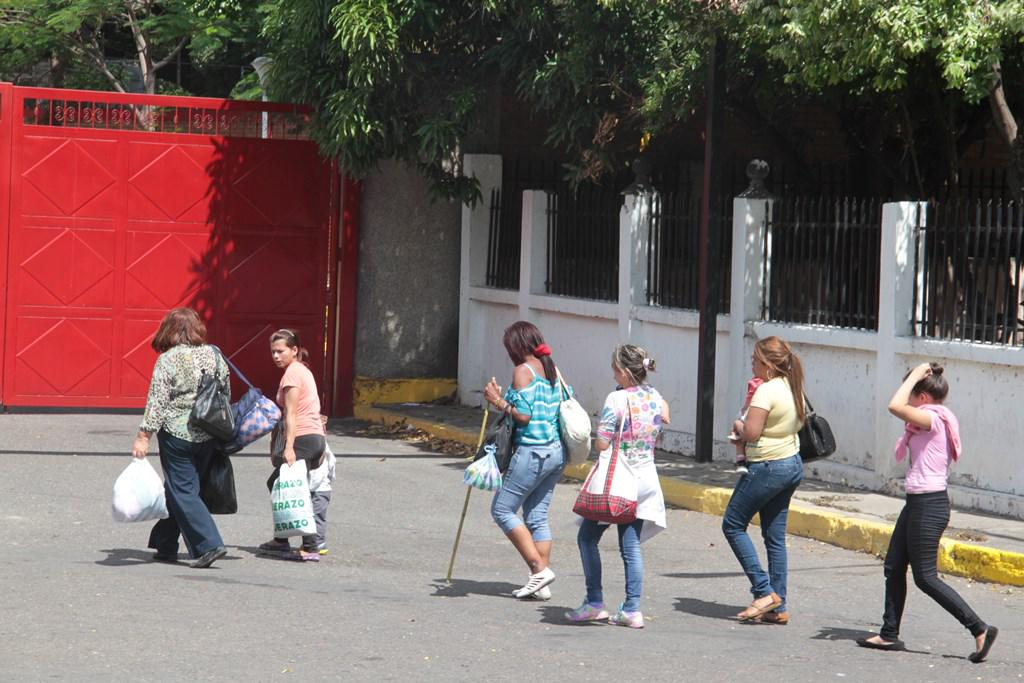 problema migratorio en Venezuela - Página 17 CNIr8NpVAAEz037
