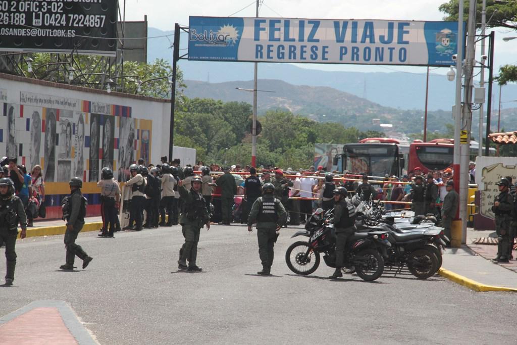 problema migratorio en Venezuela - Página 17 CNIsU8CVAAAqaPa
