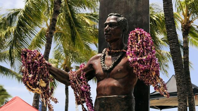 Duke Kahanamoku Doodle Google: l'eroe con un tavola da Surf