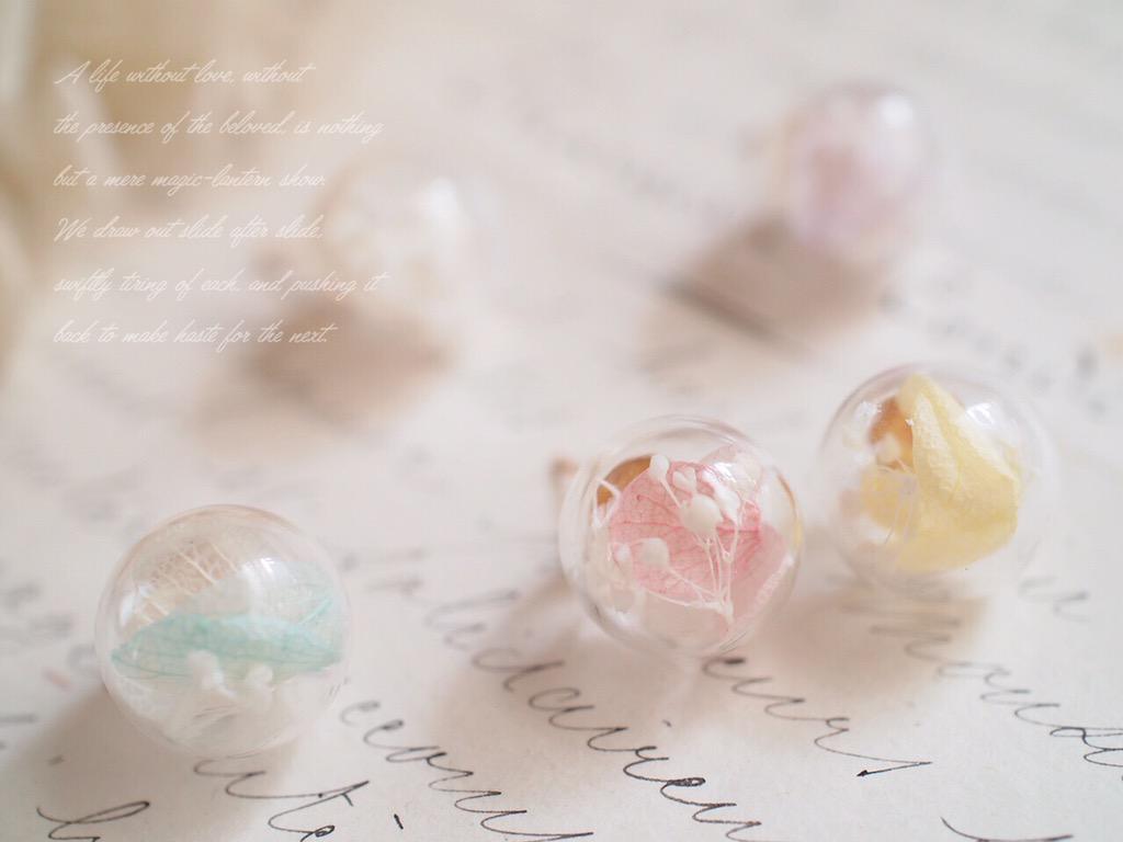 世界観にうっとりしちゃう! ミニチュアのガラスドームが美しい