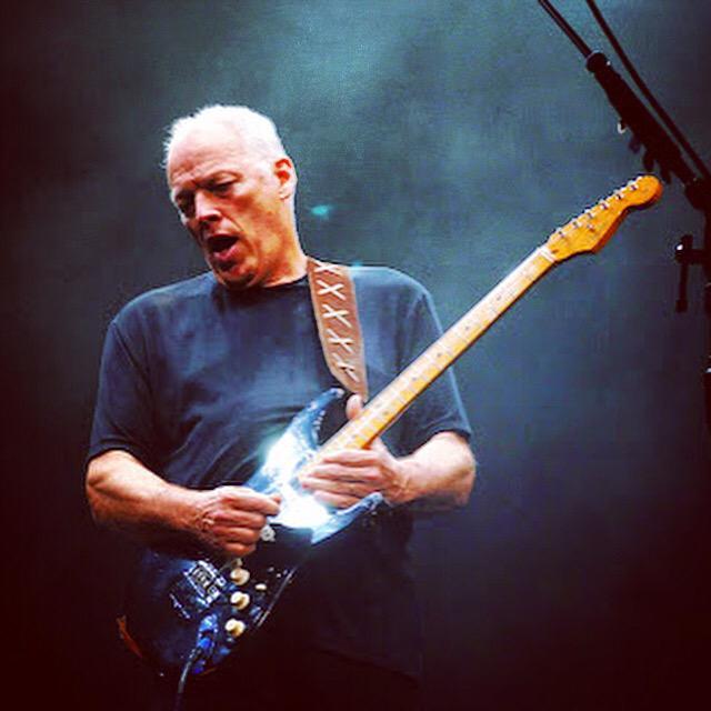 DAVID GILMOUR vai se apresentar mesmo em Porto Alegre. O show guitarrista será no dia 16/12, na Arena do Grêmio. http://t.co/EXwYNxuF8l