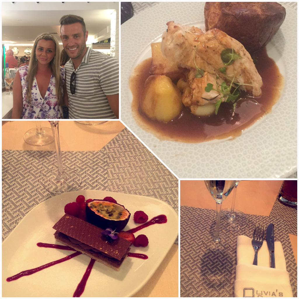 RT @CharlotteDaphne: Last night at @oliviaslacala lovely atmosphere, and the food was gorgeous #sundayfunday @elliottwright_ http://t.co/Sk…