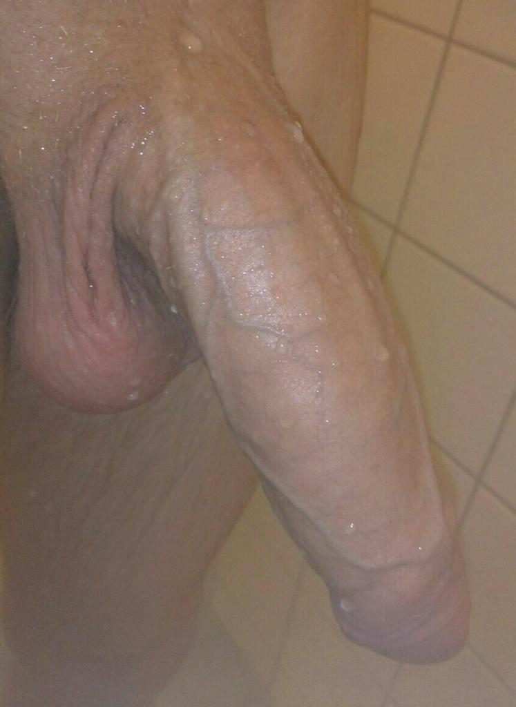 First Sex while taking a shower pornstar