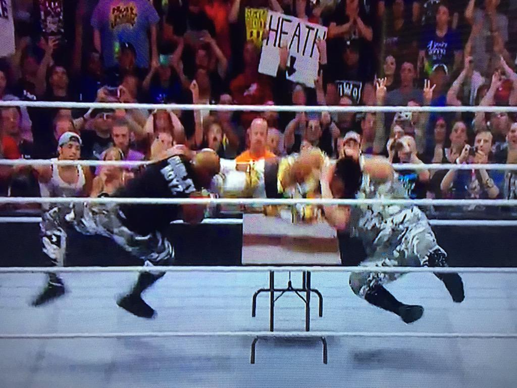 Dudley Death Drop #raw http://t.co/6pKAvttNgW
