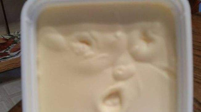Missouri woman sees Donald Trump's face in her butter, calls media. http://t.co/ZSo5ZnJ159 http://t.co/2QSzFtmnRl