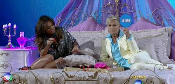 Já fez sexo em público? #XuxaNaRecord http://t.co/FtP0iiL2PJ