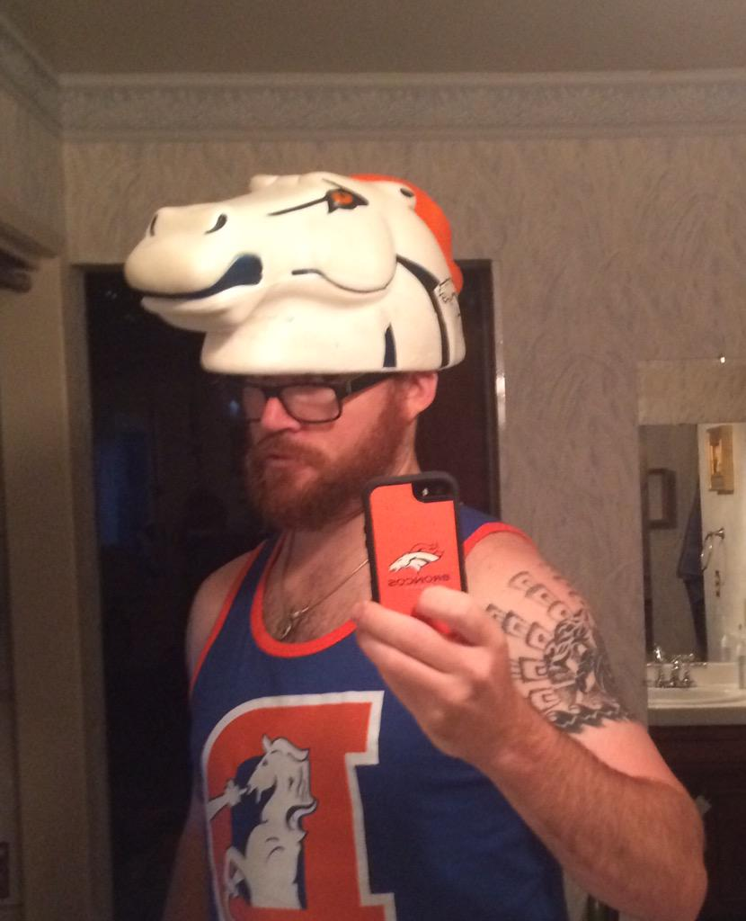 Coach Ben from Salinas here!!! Go Broncos!! #tosachat http://t.co/p87fxQHOd3