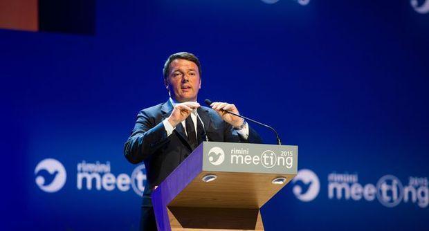 """Il premier Matteo Renzi: """"Il prossimo anno togliamo Tasi e Imu per tutti""""."""