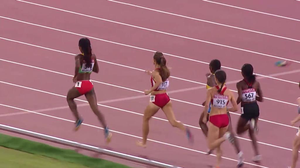 American runner loses shoe mid-race, keeps running like a hero on bloody foot