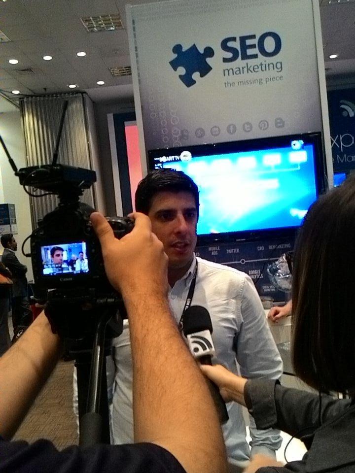Bom dia! Tem @seomarketingbr no #Digitalks e @felipe09 sendo entrevistado pela equipe de TV. http://t.co/cWnowg0BFG