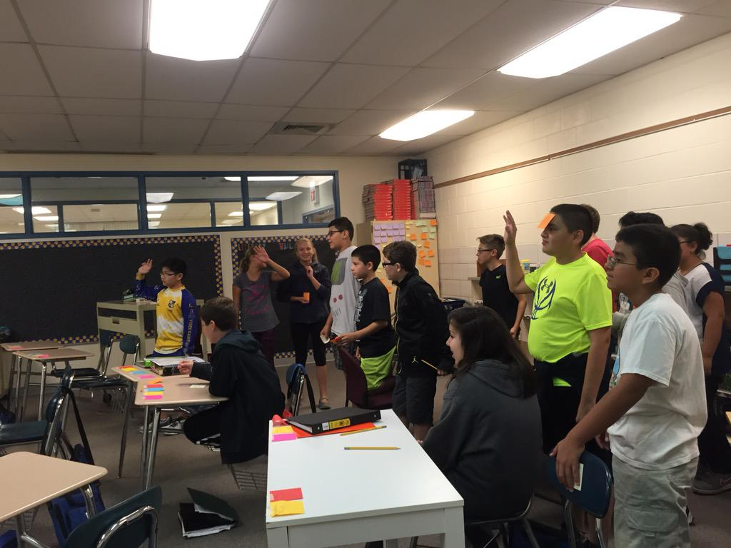 Our first debate! #teambear is bigger than #teamrabbit- but can bear sway them? #wdsd7 http://t.co/RZrxQImLzg