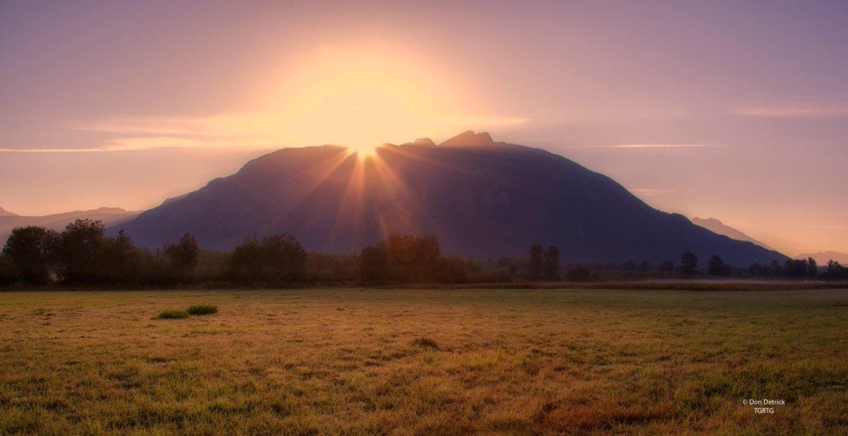 """Terremoto M4 a Mount Si nella """"Catena delle Cascate"""" nello stato di Washington (USA)."""