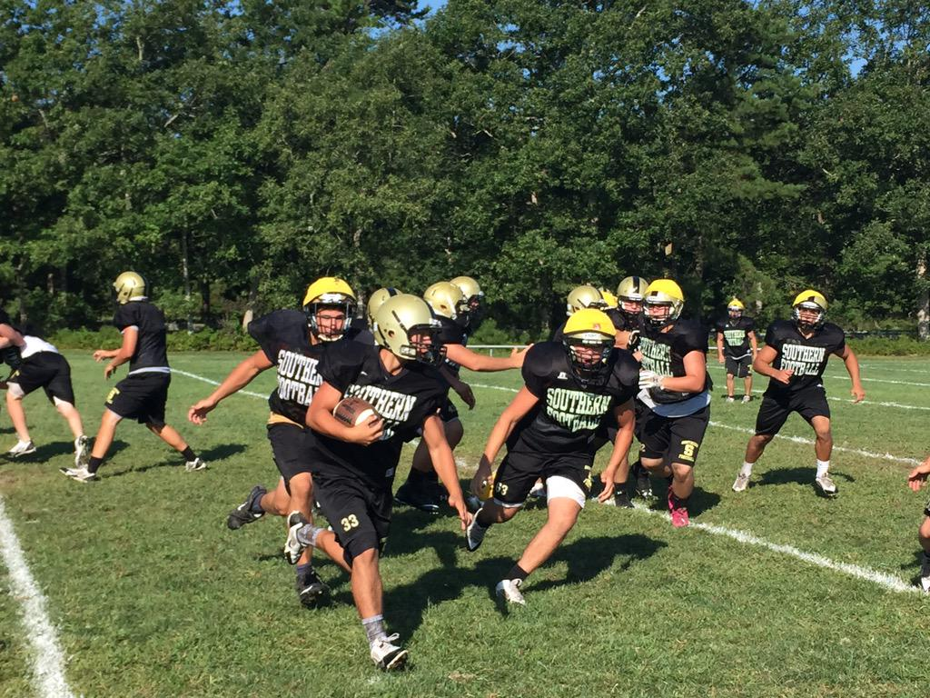 Up the Parkway this morning to check out @SRRamsfootball #HSLive http://t.co/RaOttgLeIt