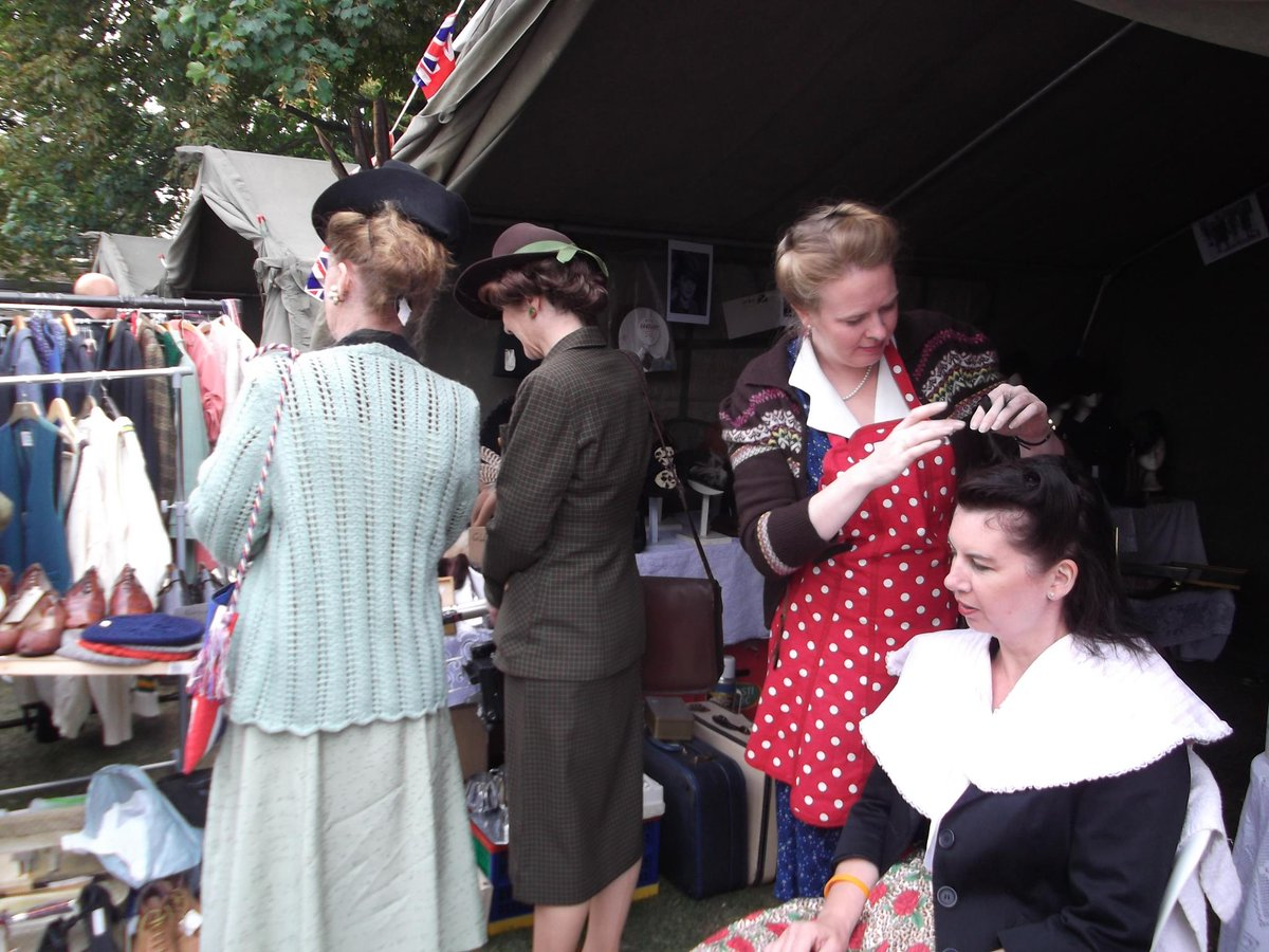 Dockyard Chatham On Twitter Don T Know What To Wear Or How Do Your Hair For Salute The 40s Visit Vintage Fair Http Co 2o1ycpba0d