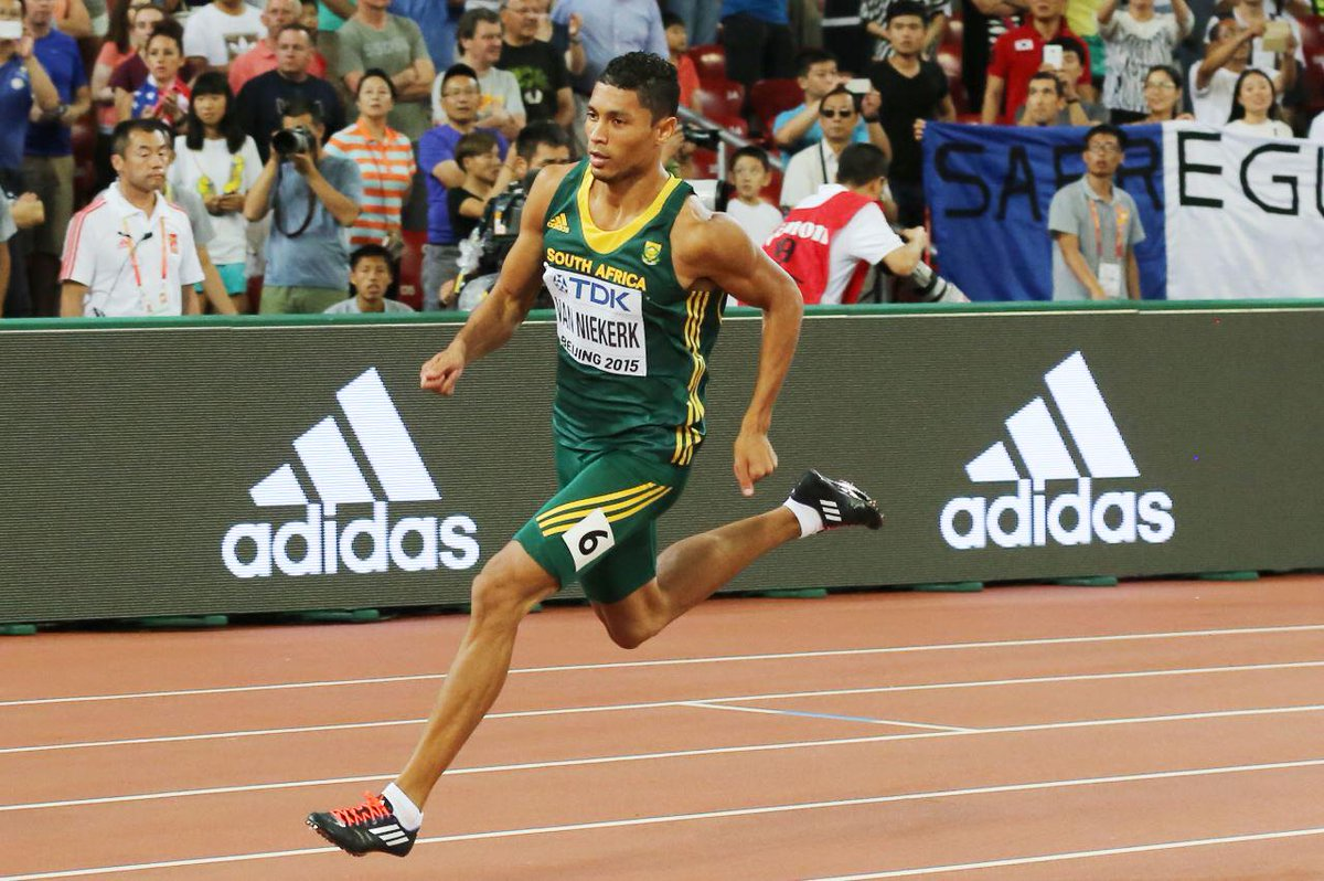 Huge congrats to our local champ @WaydeDreamer for his gold at #Beijing2015. Well done! #BoostBeijing http://t.co/73kWqY01La