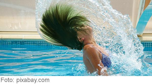 Grune haare nach pool