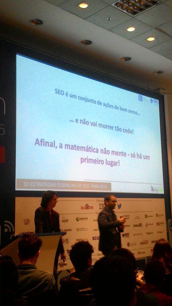 Final do seminário de @seoschultze aqui no #digitalks. Tem dúvidas? Vem conversar com a gente no nosso stand :) http://t.co/yCDAodVwxL