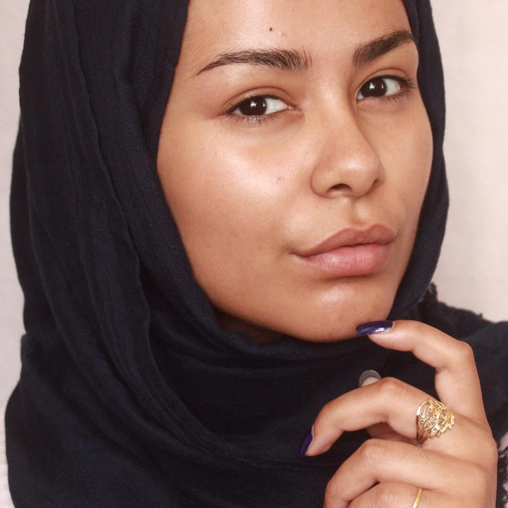 "Habiba Da Silva on Twitter: ""bare face http://t.co/mpvw2b5yPW"""