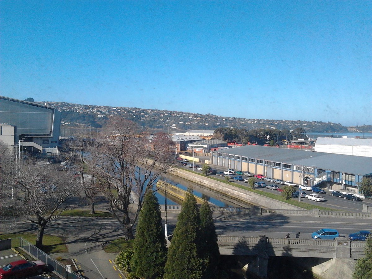 Study buddy @Kim_S_Brown  and beaut view equals day 1 of our Little & Thursdays MOOC session done #survivephd15 http://t.co/XbOEb85jJ3