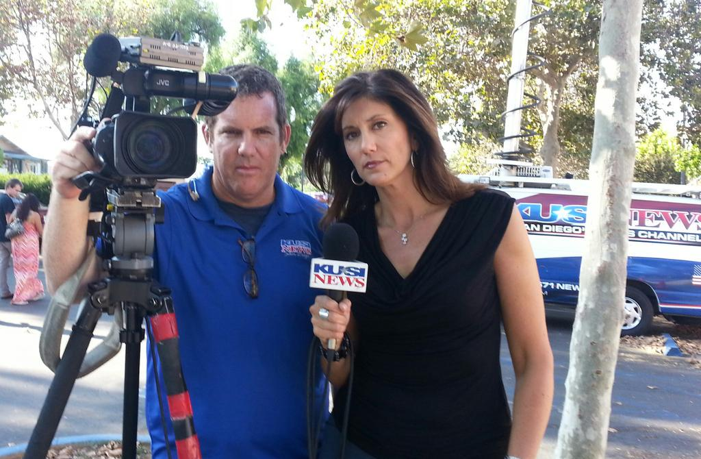 Reporting live in Lakeside, California #WeStandWithWDBJ @KUSINews http://t.co/A8OIVaT4Ob