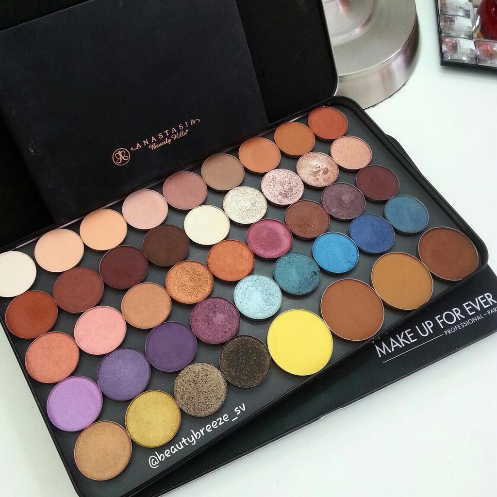 Makeup forever palette