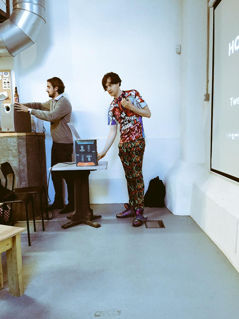 #heWearsWhatHeWants. Unbelievable talk by @vincentdignan @launch22 #93andcounting http://t.co/nsSeqZNCEJ