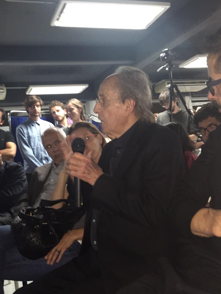 Por qué no ampliar las banquetas, arbolarlas y se acabó?? -Teodoro González de León  #CCChapultepec @SimonLevyMx http://t.co/erhwe8LDrN
