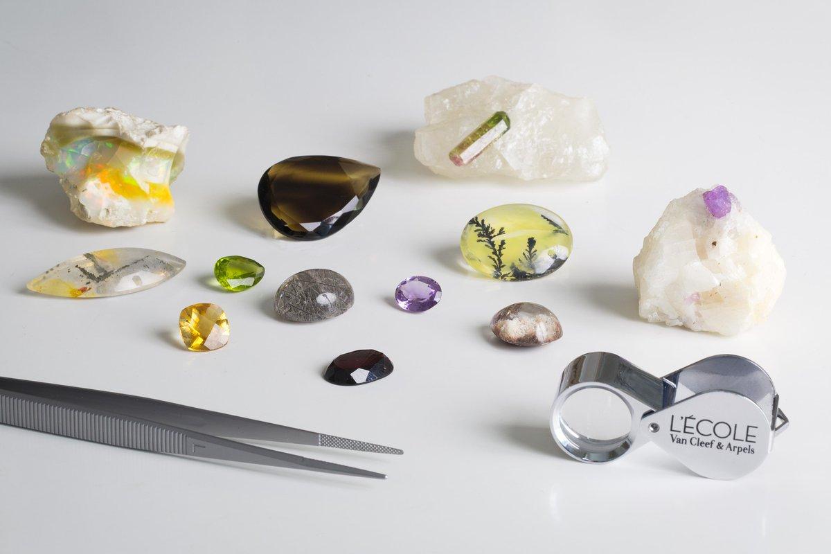 Les bijoux ce n'est pas que pour les grands, @vancleefarpels lance des cours pour enfants http://t.co/8npfGXZ7ch http://t.co/ZKY0jVv5d5