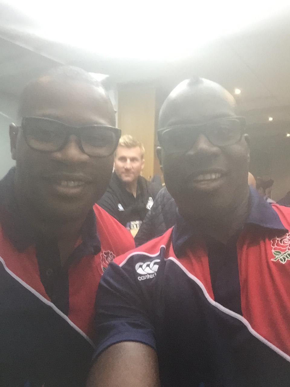 Just to prove we are not the same person @ugomonye lol http://t.co/J0lIe8jabx