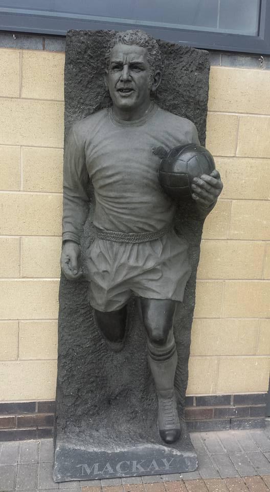 Dave Mackay Statue