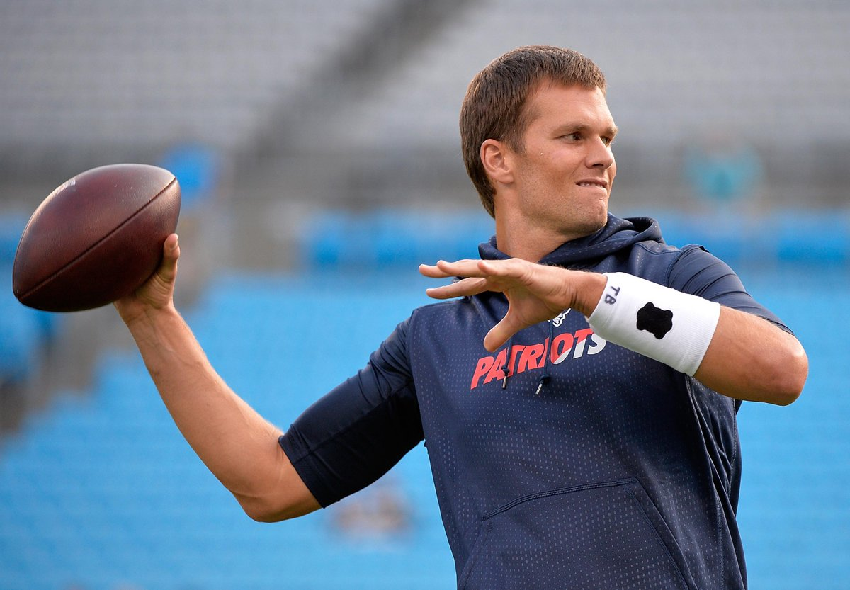 "A US judge has overturned Tom Brady's ""fundamentally unfair"" #DeflateGate suspension.  http://t.co/fYDouZY30p http://t.co/EiBkIzK4F9"