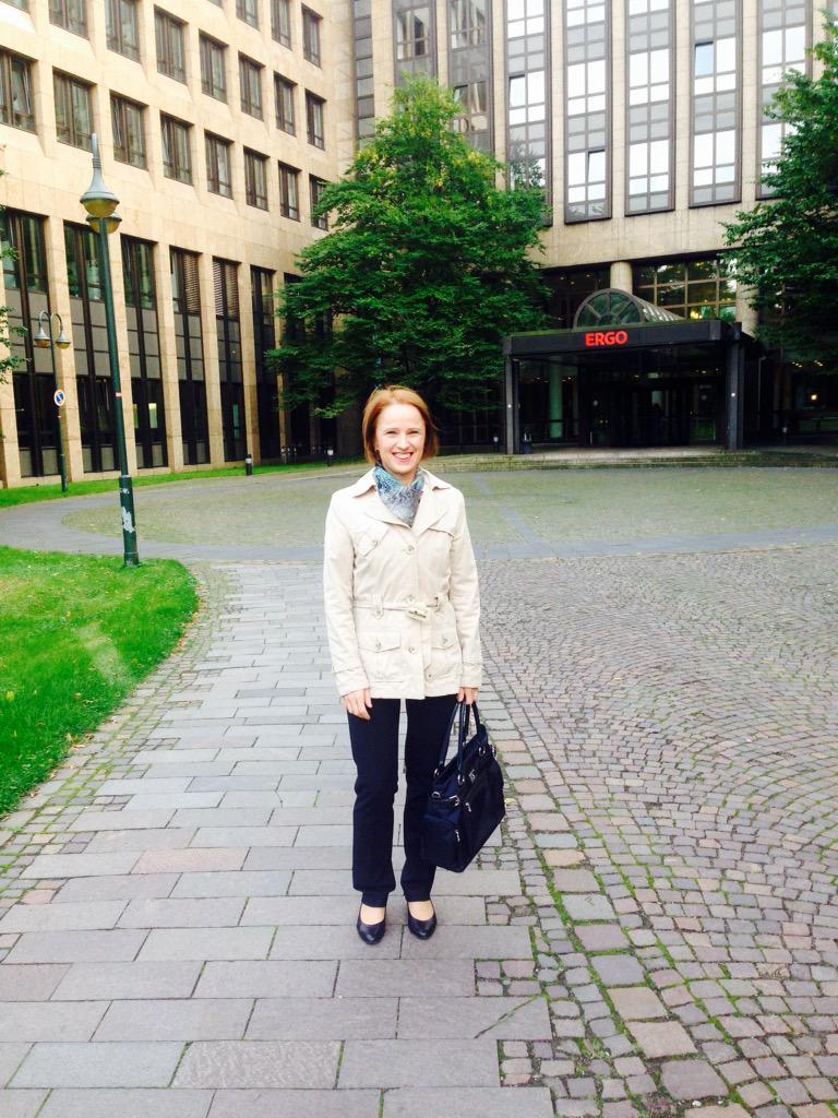 #Smcdus: gleich startet die #SocialMedia Night über Corporate #blogging bei @ERGODeutschland http://t.co/yW64JF4LE7