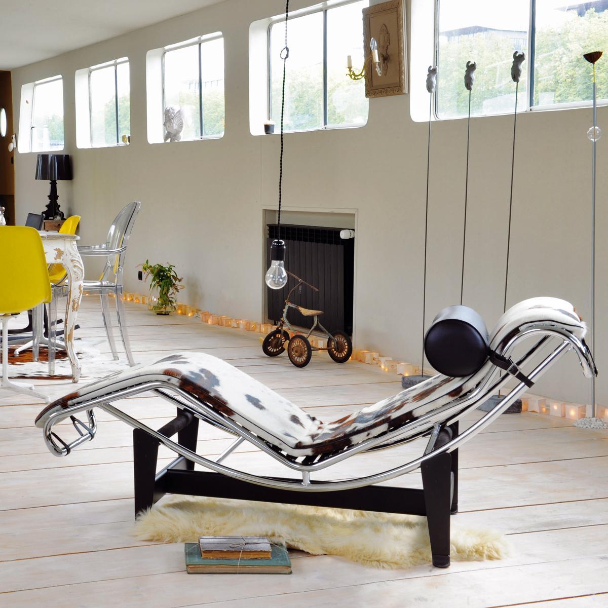 Hoy hace 50 años que nos dejó #LeCorbusier. Nos quedamos con su mítica chaise longue LC4. http://t.co/OOJeSOjd9Z