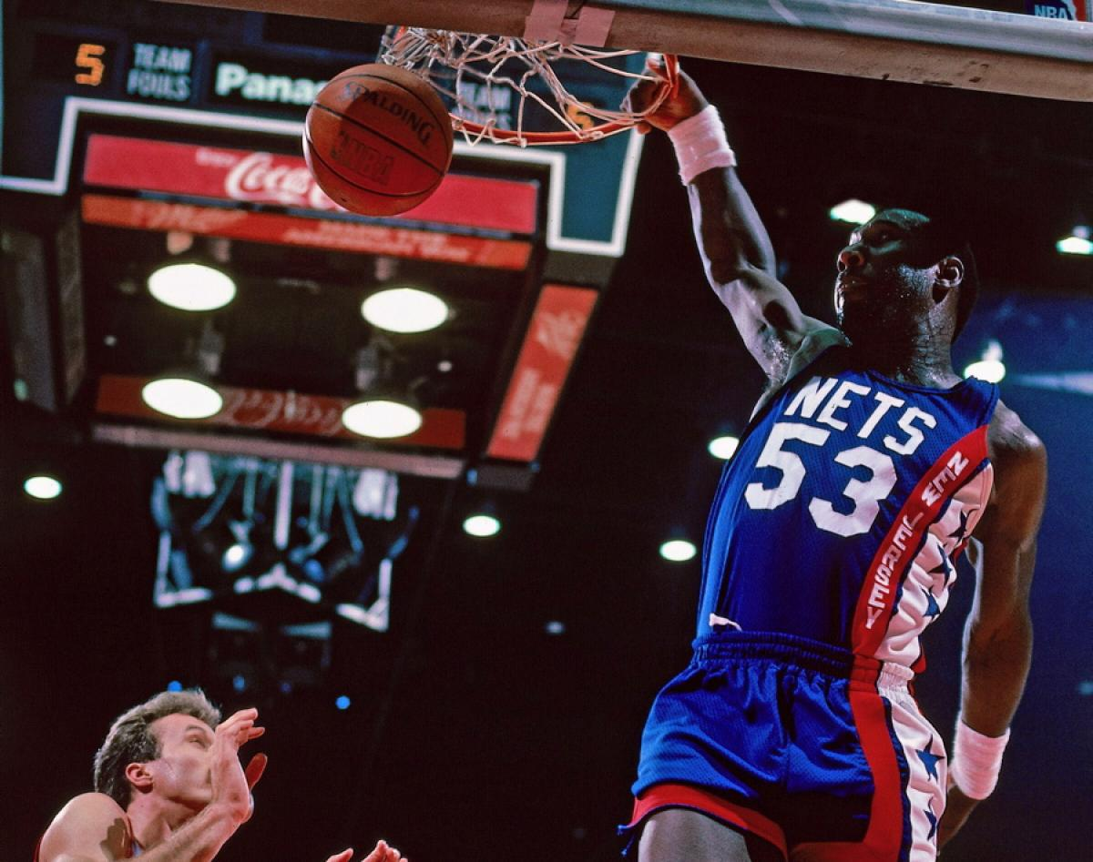 RIP to Darryl Dawkins, aka Chocolate Thunder. Dead at 58. http://t.co/6ngwH22DRM
