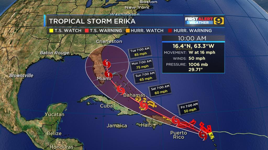 Cambia de ruta #Erika y según los modelos pasará cruzando a #PuertoRico con vientos de #50mph http://t.co/lm2tR7stAM