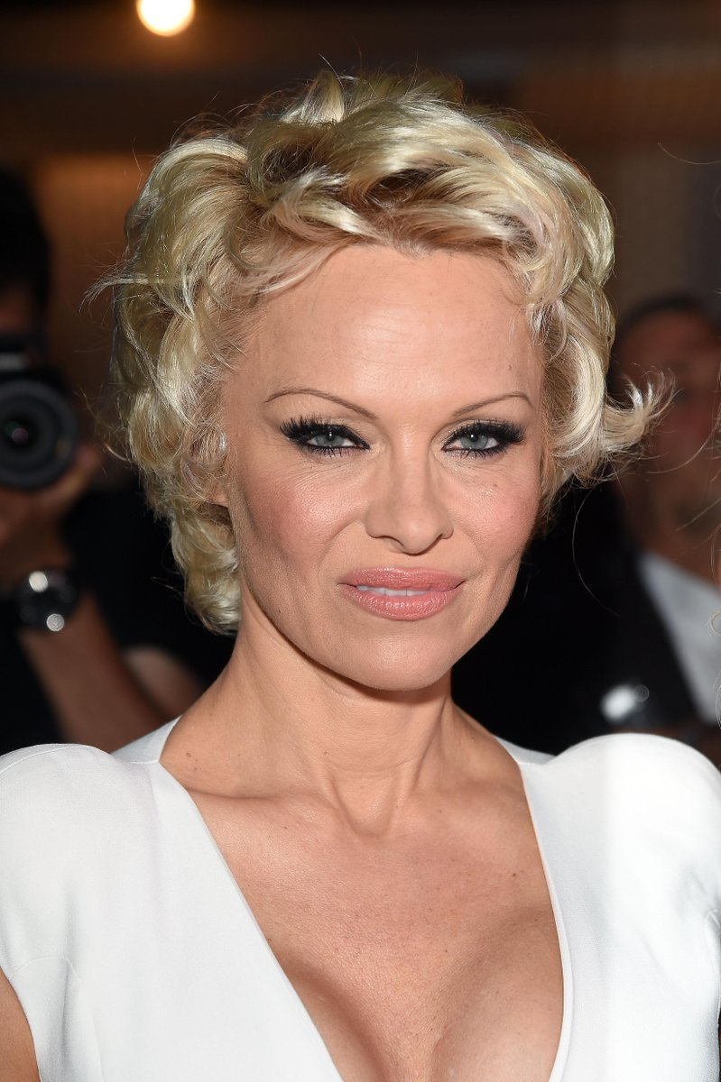 this is what pamela anderson looks like today see her before