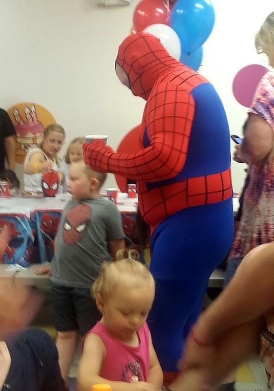 смешные фото человека паука днем рождения сегодня