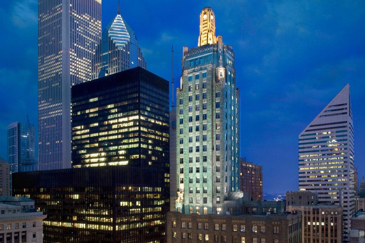 best deals downtown chicago hotels