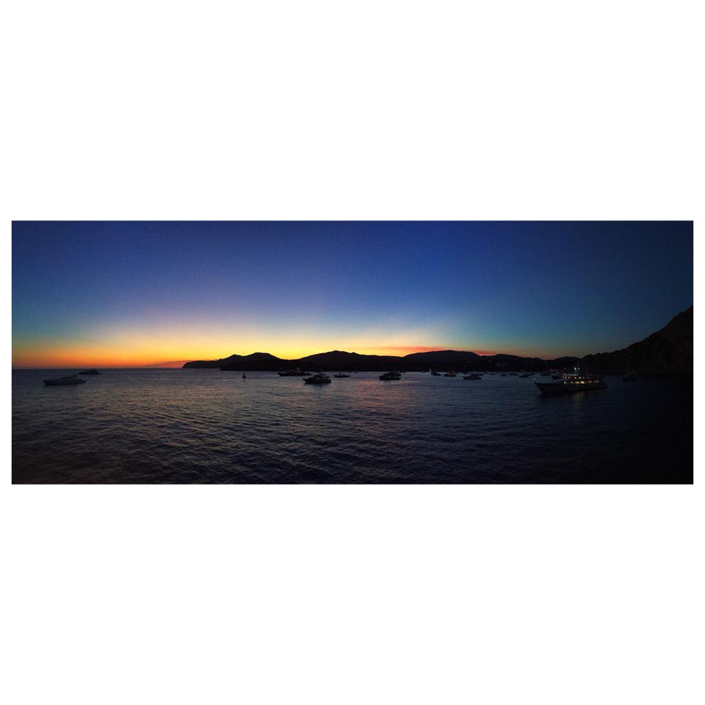 This Ibiza sunset is up there with the best https://t.co/fcoQU7CrUN http://t.co/jDHt2JqXtl