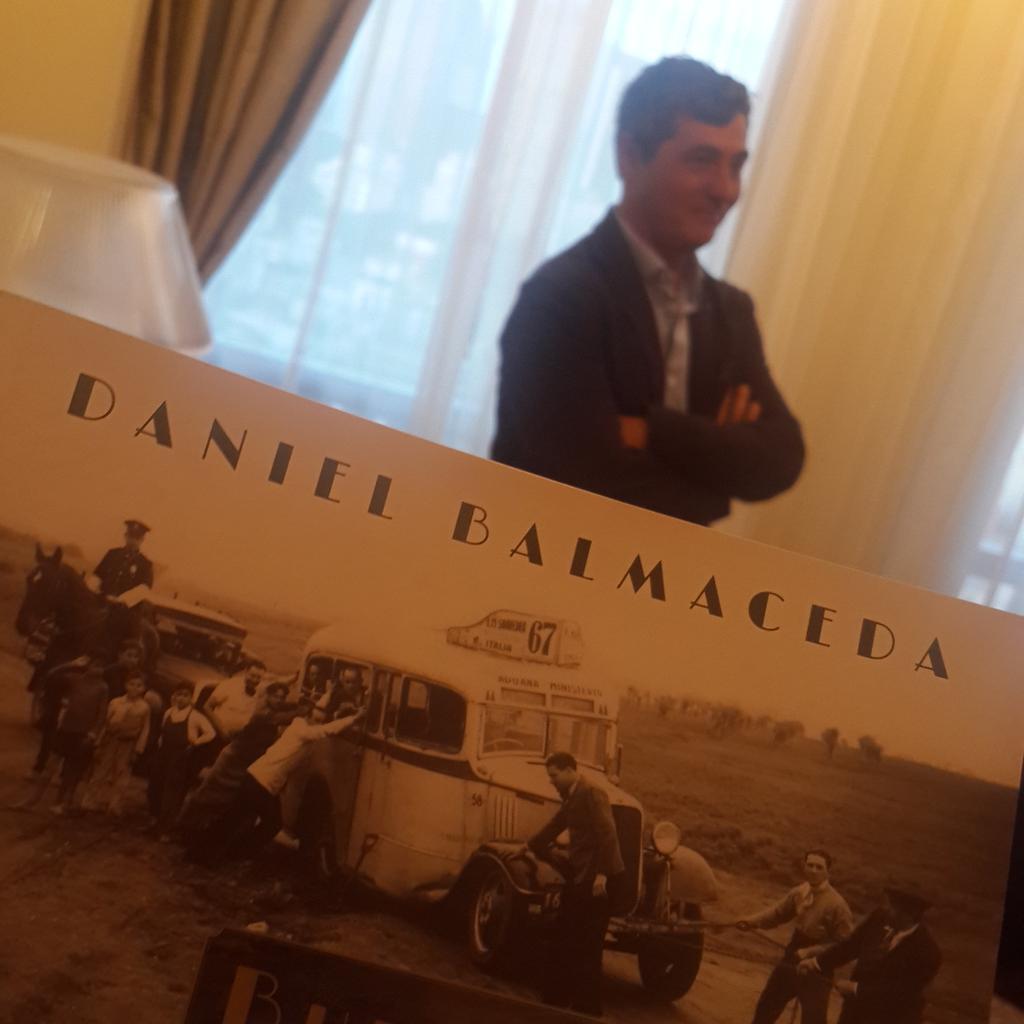 Y resulta que en la habitación 1504 nos estaba esperando @d_balmaceda  y sus #HistoriasdeBuenosAires @Alveararthotel http://t.co/VgEwUv8yJy