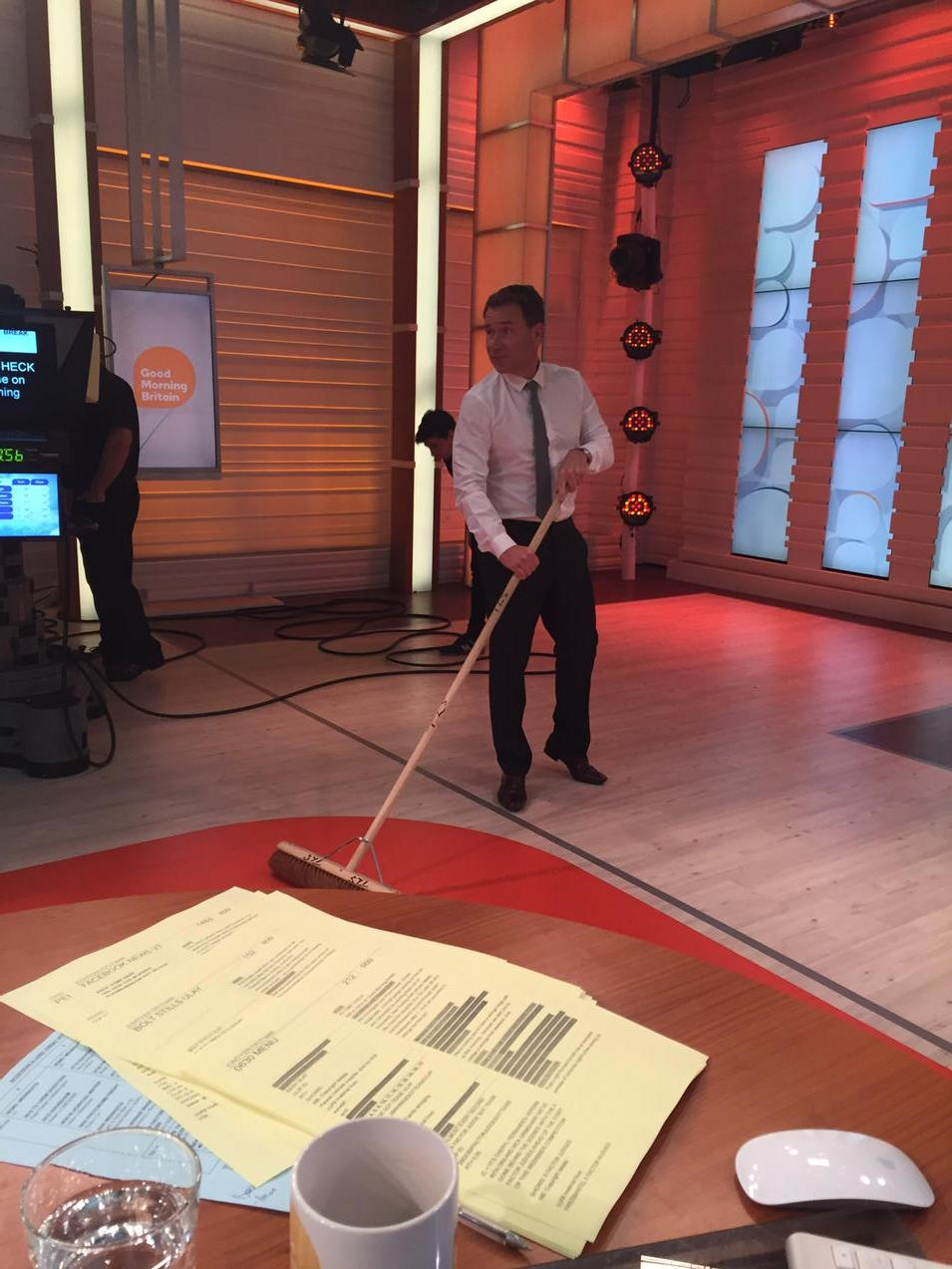 We've finally put @RichardAArnold to good use! Sweeping up the @GMB studio - u missed a bit! http://t.co/SOGW2kZFbl