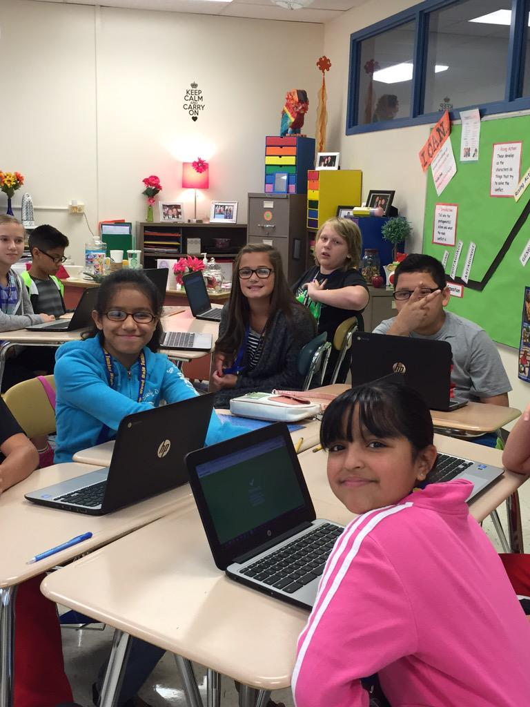 Ending our first week of 6th grade with a game of Kahoot to review! #wdsd7 http://t.co/Ulb8qsANDa