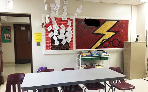 6725b1d8a5 Professora se inspira em Harry Potter e decora sala para uma volta às aulas  mais divertida